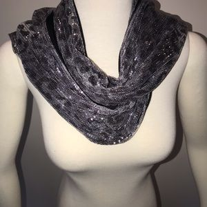 Ladies fashion scarf